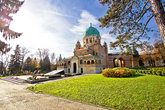 Zagreb mirogoj cemetary monumental architecture